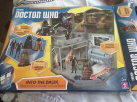DR WHO into the DALEK set as new boxed