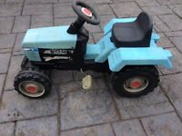 Smoby Ford Pedal Ride on Tractor