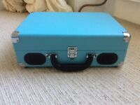Nearly new 1byone Vintage Style Portable Record Player