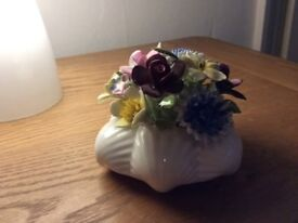 Royal doulton shell base and flowers