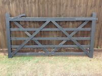 Good condition 5 bar Jackson gate with diamond bracing.