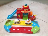 Vetech Toot-Toot Drivers Fire Station plus extras
