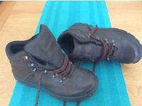 Peter Storm Size 5 Waterproof Walking Boot