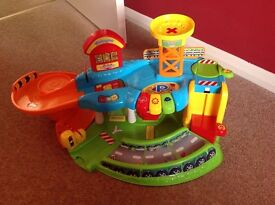 VTech Toot Toot Drivers Garage plus four cars
