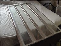 Folding glass shower screen, high quality in great condition