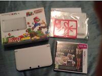 Nintendo 3ds xl in white