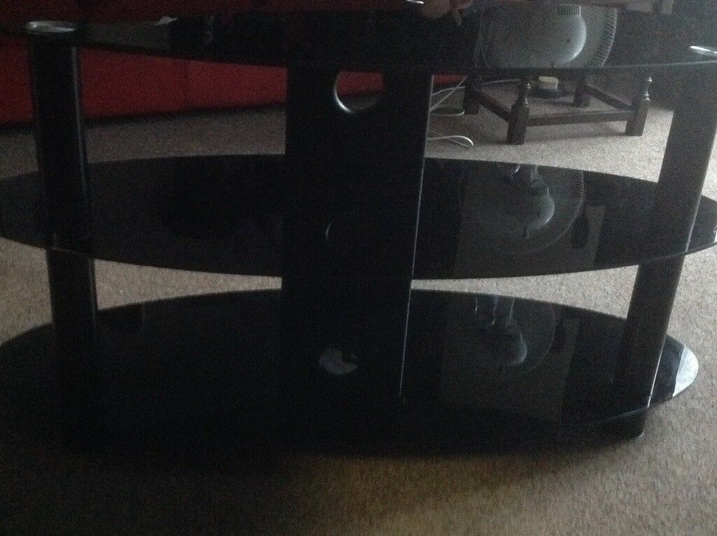 Glass tv stand 3 shelf excellent condition
