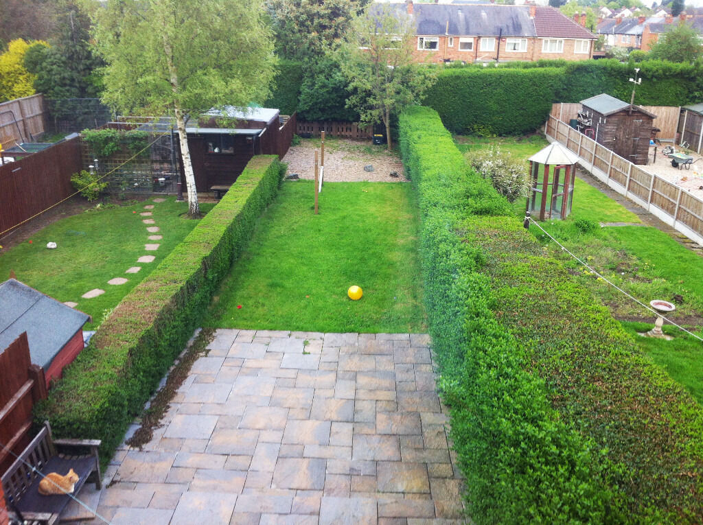 LARGE MODER FURNISED 4 BED HOUSE WITH CAR-PARKING AND LARGE GARDEN ...