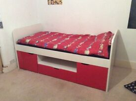 South side cabin bed I red.
