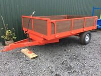 Small tipping trailer for tractor