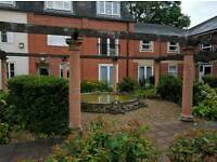 Room to let in 2 bed West Bridgford flat.