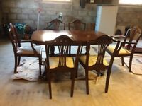 Dining Room Table and 6 chairs ( 2 Carvers and 4 seats) Regency Style