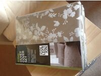 Brand new Debenhams Home Collection king size duvet cover set.