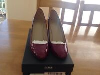 Ladies size 5 Hugo Boss plum coloured heels