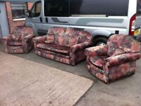 THREE PIECE SUITE ~~ SOFA & 2 ARMCHAIRS ~~ VERY CLEAN ~~ CAN DELIVER TO WEST MIDLANDS