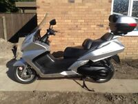 Honda Silverwing 2001, Genuine Low Milage, Top Box, Serviced and MOT