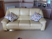2 seater leather settee and 3 seater leather settee