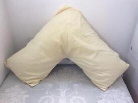 V Shaped Pillow with Lemon Pillowcase