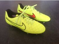 Nike Tiempo Studded Boots - size 7