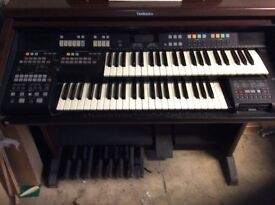 TECHNICS ELECTRIC ORGAN SXEN4 . - AS NEW Good condition hardly used