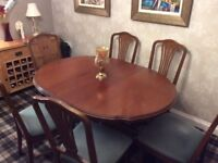 Beautiful top quality mahogany dining suite, extending table and six chairs in exceptional condition