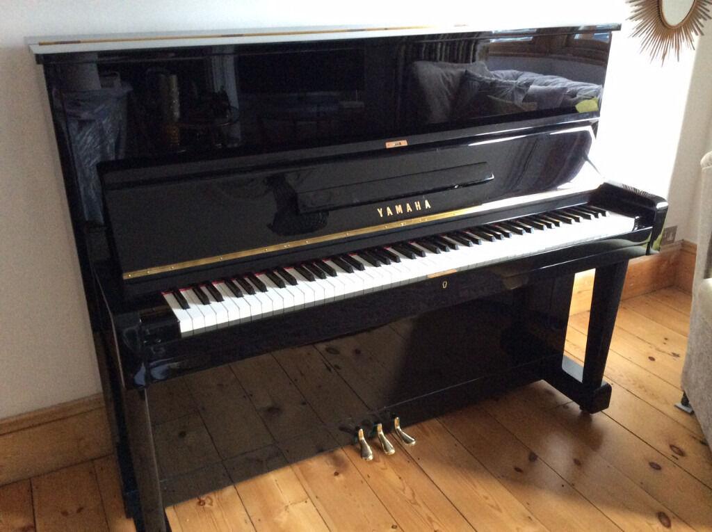 Yamaha u1 upright piano in hampton london gumtree for Piano u1 yamaha price