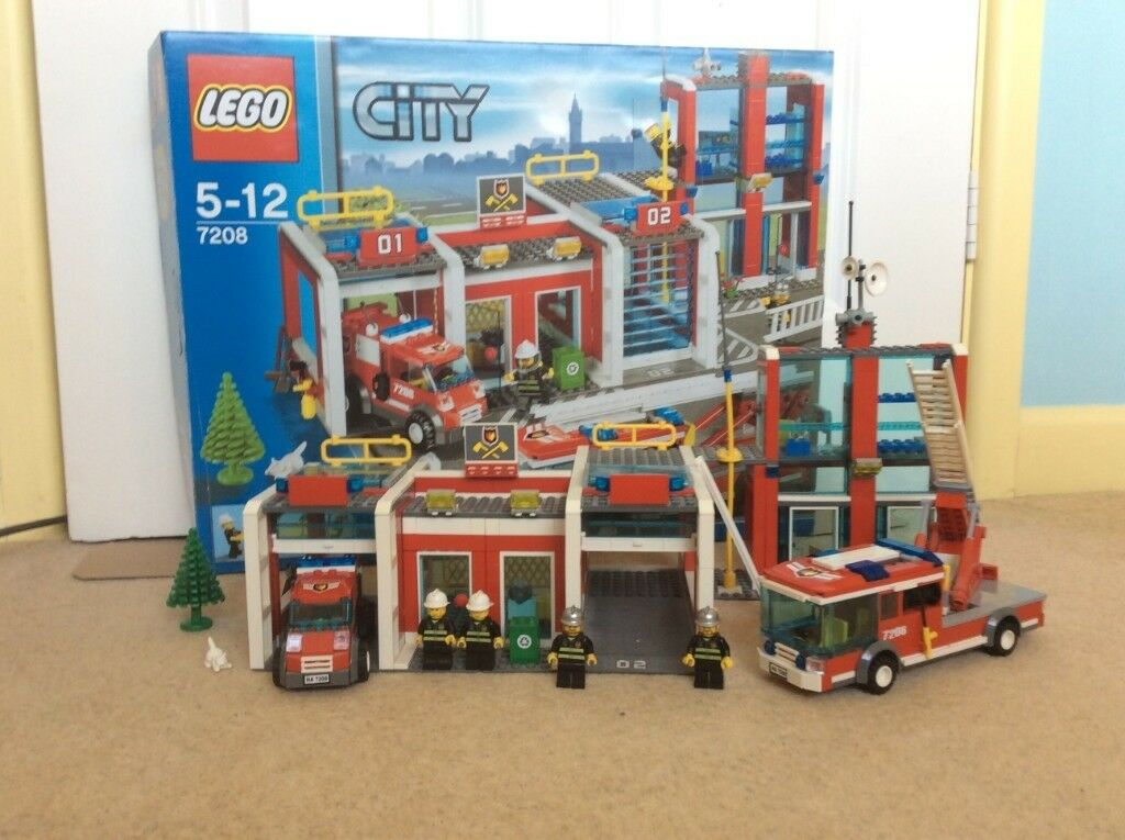 Lego City Fire Station 7208 In Southampton Hampshire Gumtree