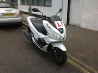 2019 HONDA PCX 125 GEN3 COMES FULLY SERVICED 2 KEYS FULL SERVICE HISTORY VERY CLEAN SCOOTER