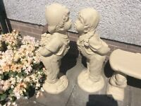 Concrete garden kissing girl&boy ornament