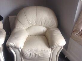 Three piece suite cream leather