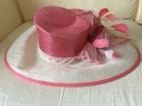 ** BRAND NEW ** M&S, Ladies Hat, with Tags. Races / Garden Party/ Wedding / Special Occassions