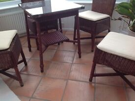LLOYD LOOM Table and 4 chairs