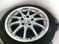4 Winter Tyres with alloys 255/45 R17 94V XL