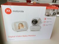 Baby monitor Motorola MBP35XLC still in box never used unwanted gift [2 bought in erro)