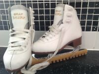 Graf Bolero child Ice Skates size 1.5