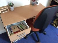 Desk with drawer and In fantastic condition, cost price £45 selling for £20! Pick up only!