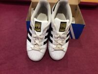 Adidas Suoerstar Trainers White With Black Stripes Size 4