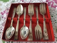 Community Plate Boxed Set of 6 Cake Forks and 6 Tea Spoons.