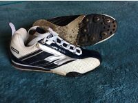 Running trainers with spikes size 4