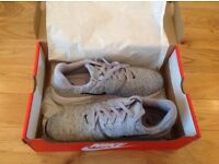 Brand new size 8.5 Nike trainers