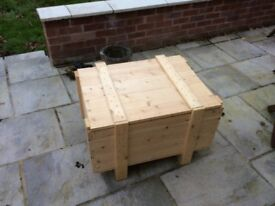 Pine crate / wooden box