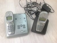 Phillips onis Vox 300 telephone with answering machine and separate handset