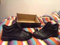 Steel toe cap/safety work boots size 10 new