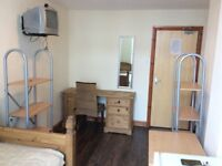 Single rooms available great location close to Liverpool city centre & unis- Includes all bills