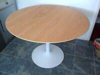 Nearly New Habitat 4 Seater Oak Vaneer Round Dining Table (D110 x H74cm): £60
