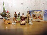 Nativity Scene 11 pieces in porcelain VGC