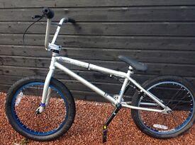 Box stunt bike HARO 300