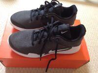 Nike Arrowz lace trainers size 6