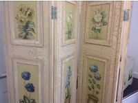 Flower panelled room divider with ottoman