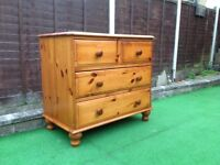 Pine chest of drawers older SOLID SET.